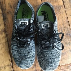 Nike free flyknit gray size 7